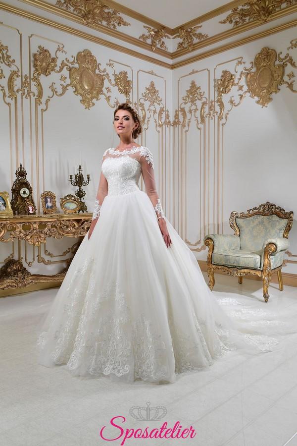 02ec74575968 vestiti da sposa principessa con strasico lungo e ricami di pizzo  collezione 2018 ...