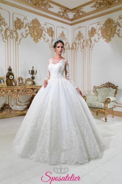 vestiti da sposa principessa molto ampio con strascico lungo
