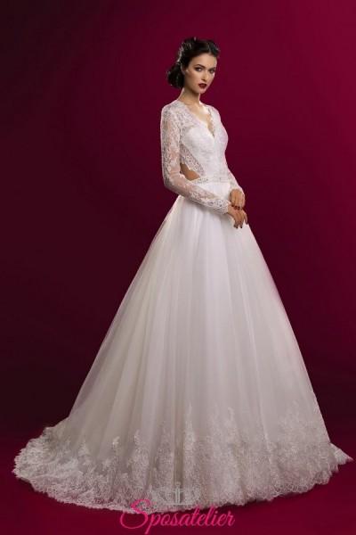 vestiti da sposa economici scontati online modello con gonna ampia e schiena scoperta