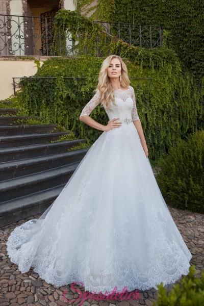 vestiti da sposa principessa con scollo a barchetta e decori in pizzo vendita online