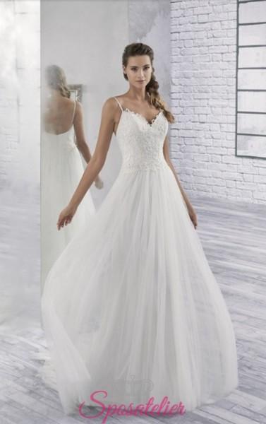 vestito da sposa semplice con bretelline ricamato in pizzo