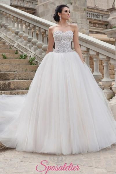 vestito da sposa principessa con gonna intulle ampia e scollo a cuore economici