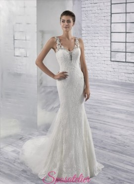 vestiti da sposa sirena sensuale in pizzo con bottoncini sulla schiena
