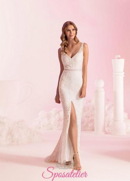 vestito da sposa interamente ricamato in pizzo a sirena con spacco laterale