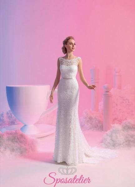 vestito da sposa interamente ricamato in pizzo a sirena con coda