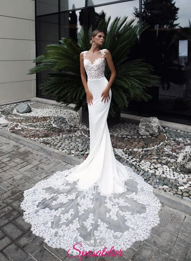 abiti da sposa a sirena con strascico lungo in pizzo tendenze 2018 2019 a542b15d10f