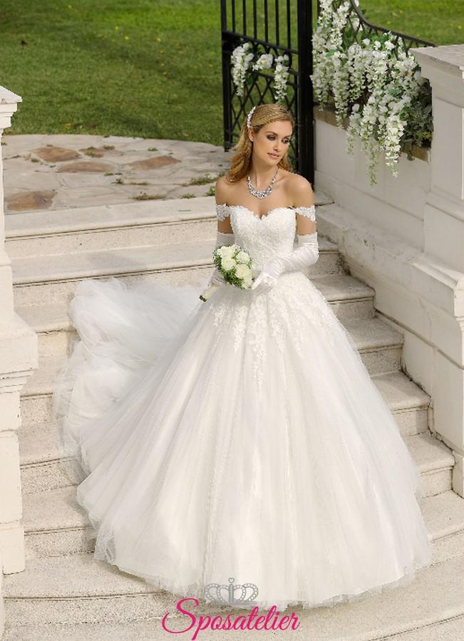 abiti da sposa da principessa con strascico lungo collezione 2019 online