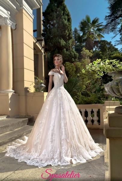 abiti da sposa principessa colorato con ricami di pizzo tendenze 2018 2019