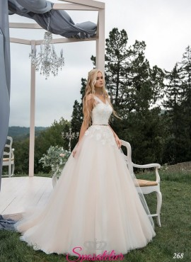 abiti da sposa avorio corpetto di pizzo bianco tendenze 2018 2019