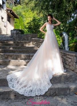 abiti da sposa da principessa colorati particolari con strascico lungo