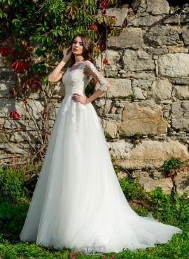 abiti da sposa con maniche tre quarti da principessa con gonna di tulle