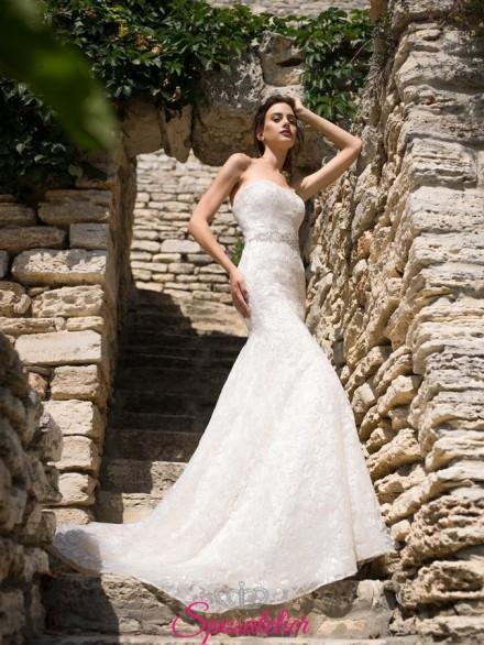 abiti da sposa ricamato completamente in pizzo modello a sirena