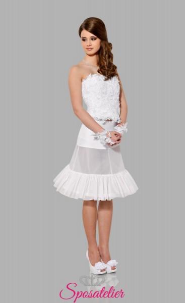 Sottogonna sposa corta con un cerchio e una balza
