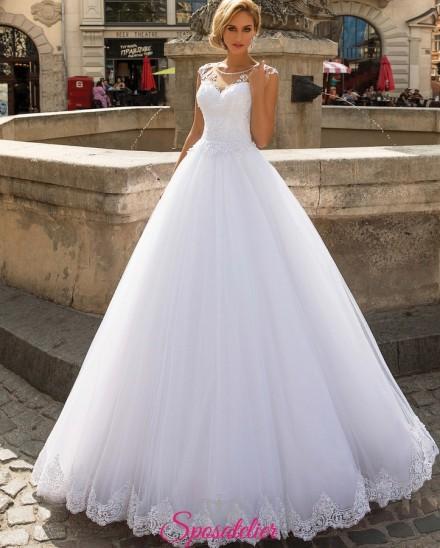 abiti da sposa online da principessa con strascico e ricami di pizzo collezione 2019