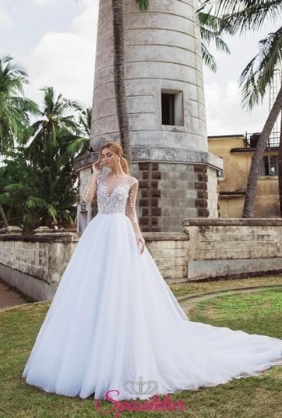 abiti da sposa da principessa particolare con ricami di pizzo floreale