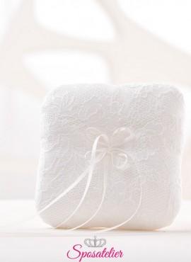 cuscini portafedi eleganti ricamati a mano in pizzo
