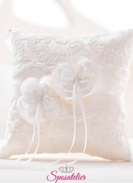 cuscini portafedi ricamati in pizzo vendita online bianco o avorio