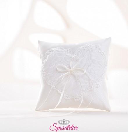 cuscino portafedi con ricamo a forma di cuore vendita online