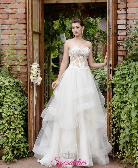 Primula-vestito da sposa 2019 con gonna a balze in tulle vaporosa vendita online