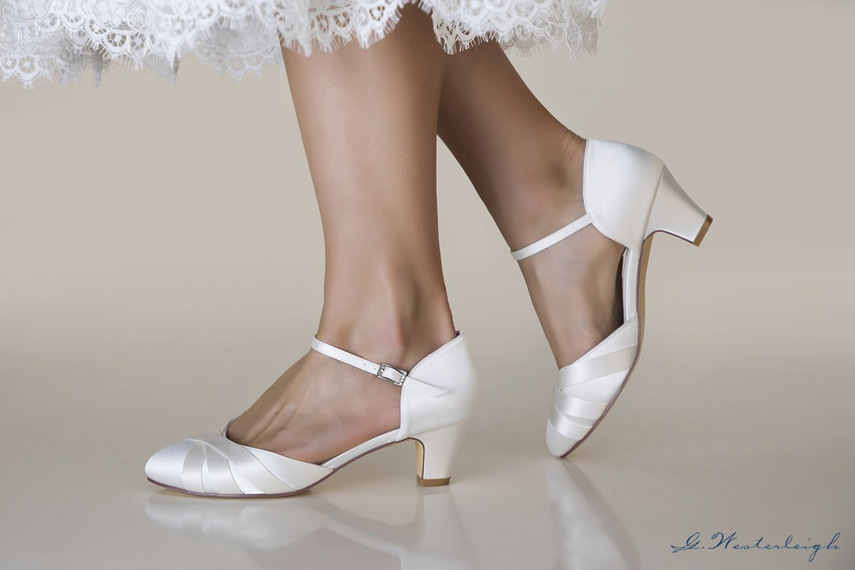 Scarpe Da Sposa Basse 2016.Scarpe Sposa Basse On Line Economiche 2019 Colore Avoriosposatelier