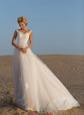 abito da sposa matrimonio in spiaggia  morbido di tendenza collezione 2019