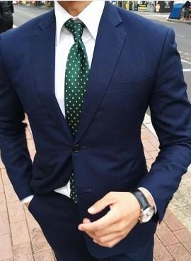 cravatta elegante verde a pois