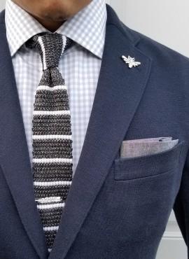 cravatta grigia e bianca modello calzino