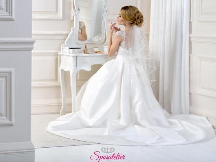 velo sposa corto semplice con bordo sottile in raso nuova collezione
