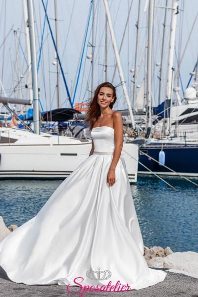 abito da sposa semplice ed elegante di tendenza collezione 2019