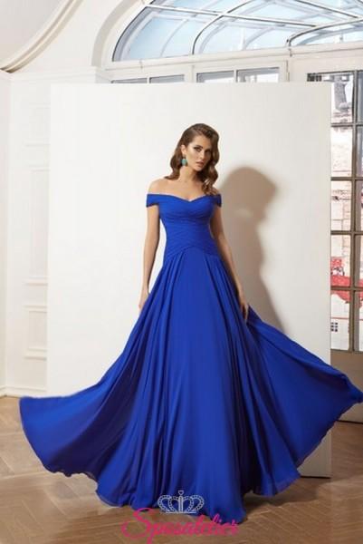 vestito da cerimonia blu con scollo a barchetta realizzato in chiffon collezione 2019