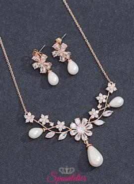 collana e orecchini sposa in oro rosa con pendenti decorati con perle