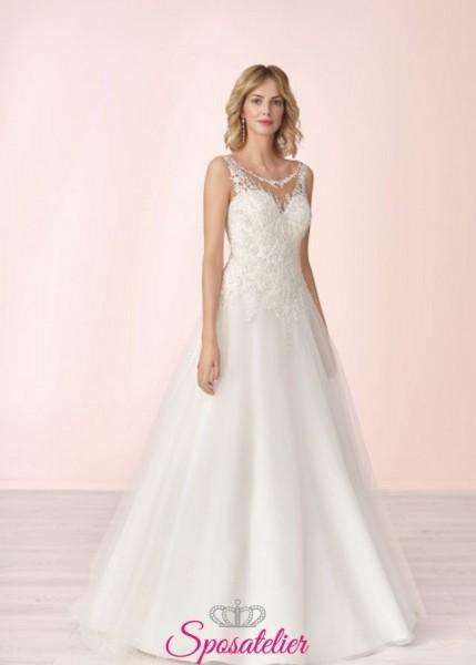 abiti da sposa online modello semplice ed elegante con corpetto lavorato in pizzo
