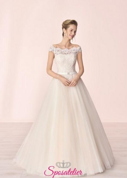 vestito da sposa economico online con scollo a barchetta e ricami in pizzo collezione 2020