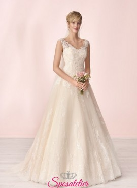 vestito da sposa economico online con gonna morbida e ricami in pizzo