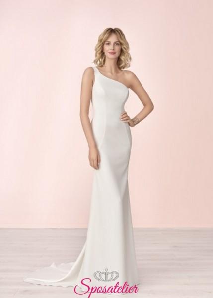 vestito da sposa elegante monospalla ideale per rito civile collezione 2020