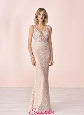abito da sposa rosa particolare con ricami collezione 2020