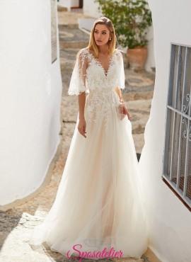 abiti da sposa 2021 con mantellina elegante di pizzo