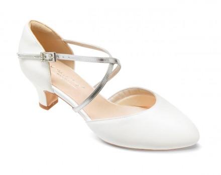 Cristina- scarpe sposa 2021 online avorio con dettagli in pelle color argento
