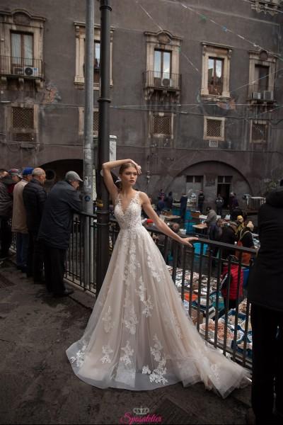 abiti da sposa 2021 online in pizzo con scollo a v gonna da principessa